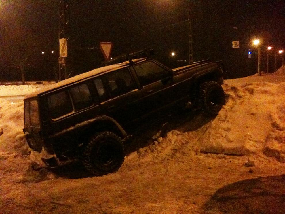 Nissan Patrol парковка по-русски